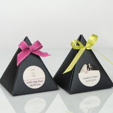 Pyramid Favor Box with 3 truffles