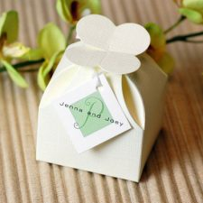 Petal Top Favor Box with 3 Truffles